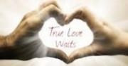 """Проектът """"Истинската любов чака"""" насърчава сексуалната чистота преди брака"""