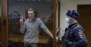 Навални - на крачка от смъртта