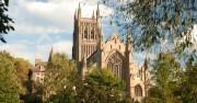 350 англикански църкви пред затваряне